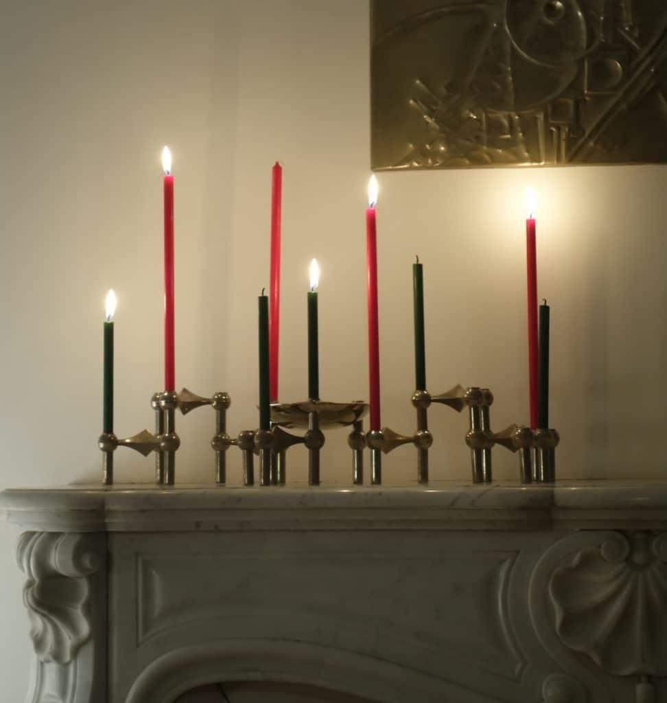 Bougeoirs Nagel et bougies vertes et rouges